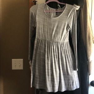 Light grey long sleeved dress